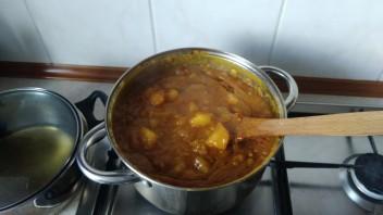 Ebe- potrawa z manioku i oleju palmowego